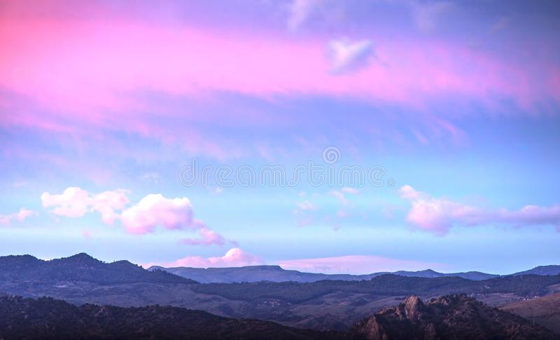 在莱翁福尔泰,西西里岛的多云天空 库存照片