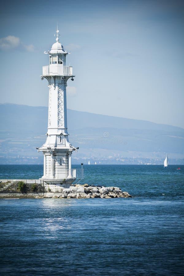 在莱芒湖的灯塔 库存照片