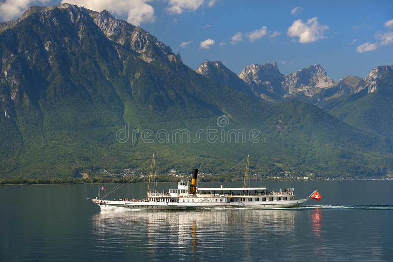 在莱芒湖,瑞士的巡航火轮 免版税库存图片