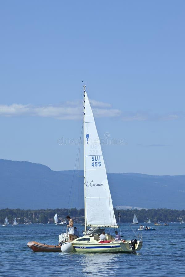 在莱芒湖,瑞士的消遣航行 免版税库存照片