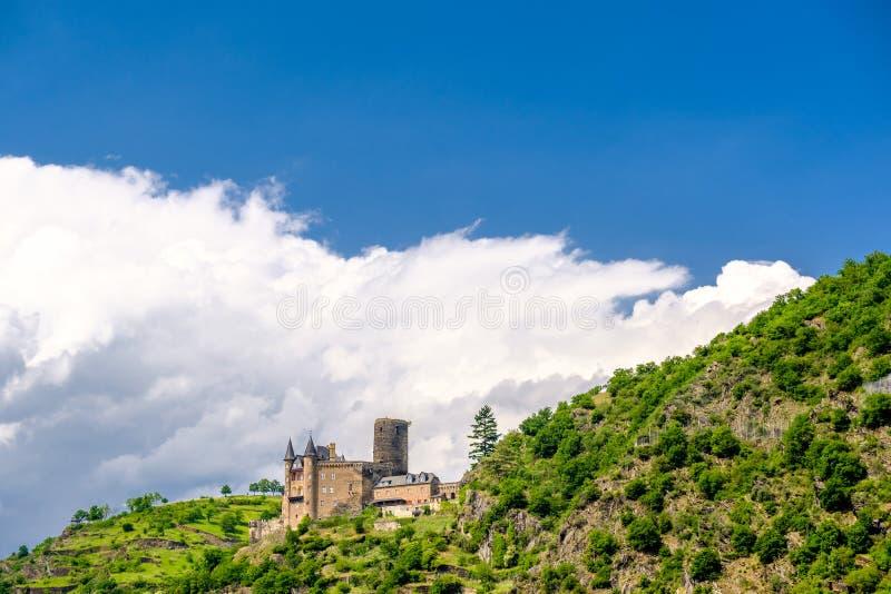 在莱茵河谷的卡茨城堡在圣Goarshausen,德国附近 图库摄影