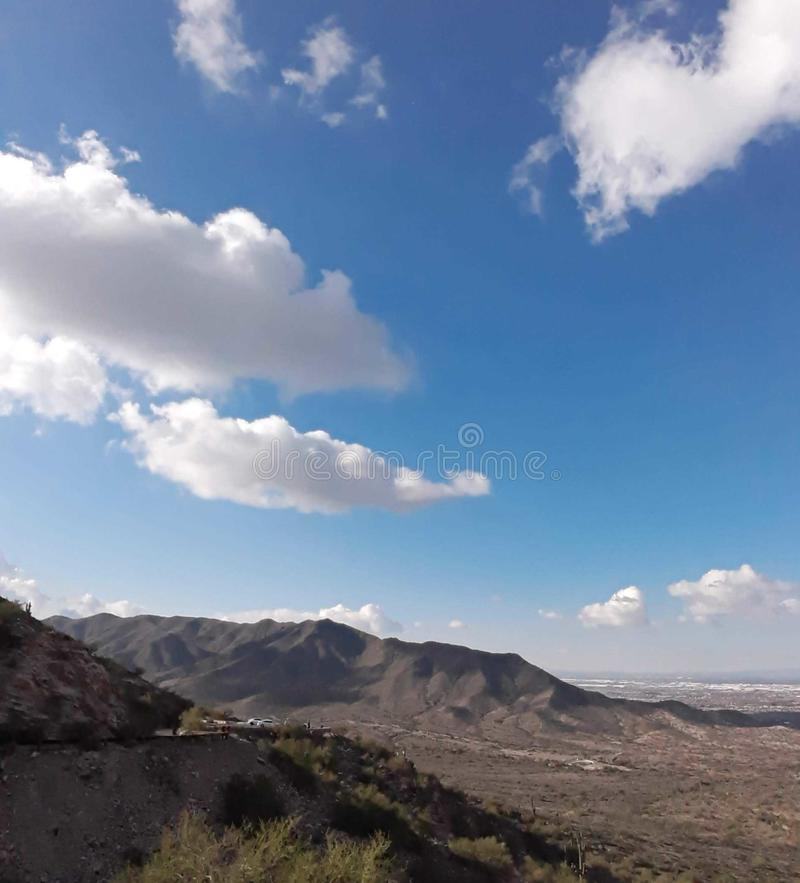 在菲尼斯亚利桑那巨大视图的南山 库存图片