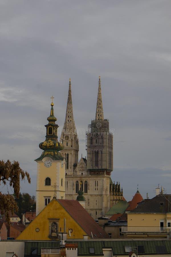 在萨格勒布大教堂的看法 库存图片