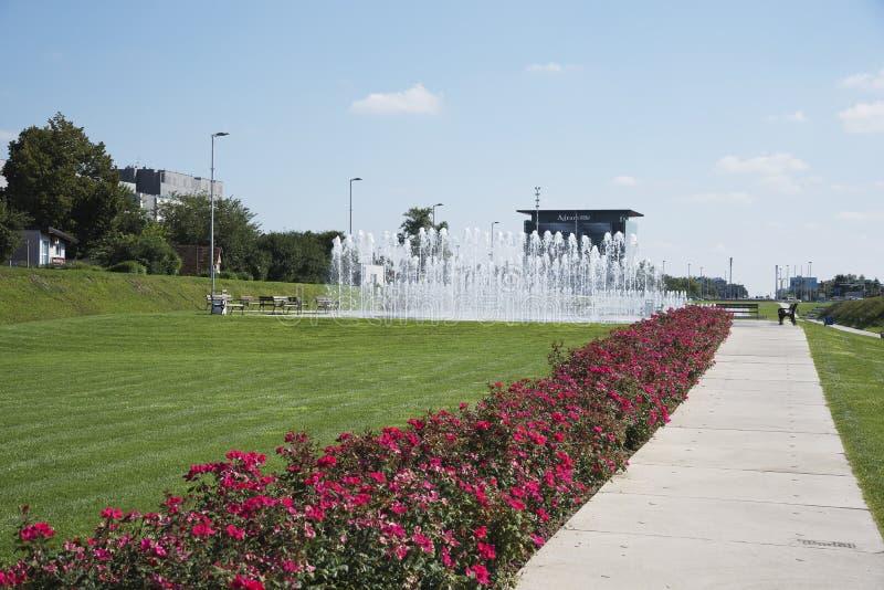 在萨格勒布附近,克罗地亚的中心的城市喷泉 库存照片