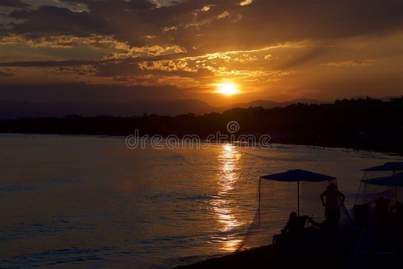 在萨洛角手段,西班牙的美好的日落 库存照片
