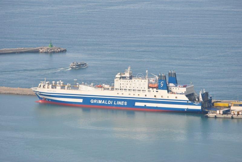 在萨莱诺港的船  免版税图库摄影