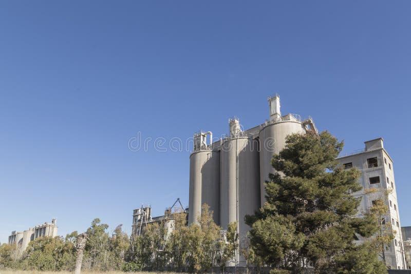 在萨贡托,巴伦西亚,西班牙用水泥涂工厂 库存图片