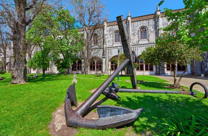 在葡萄牙里斯本的海洋博物馆附近 免版税库存图片