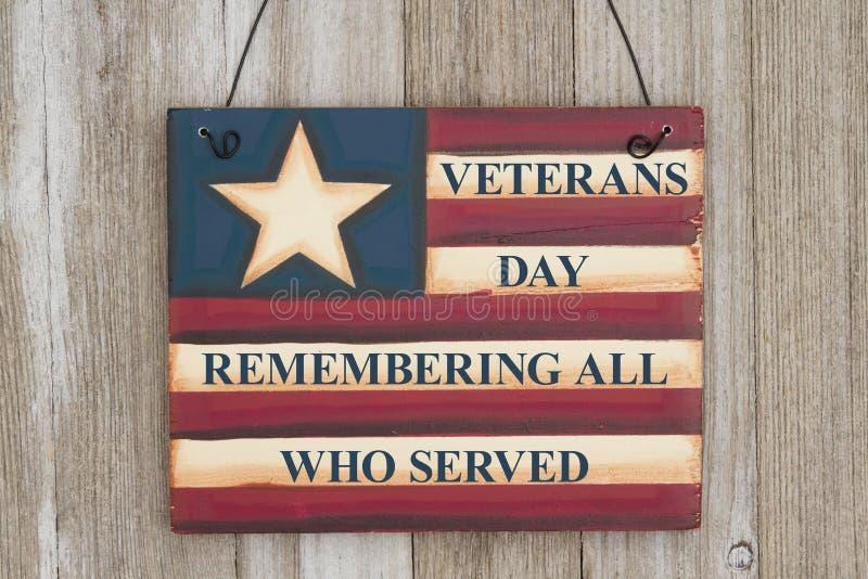 在葡萄酒标志的退伍军人日消息 库存照片