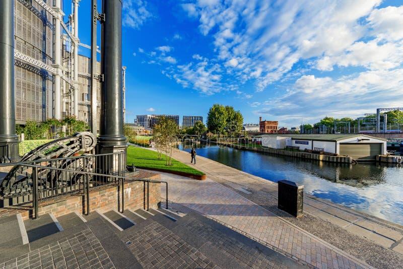 在董事运河的河沿人行道 库存照片