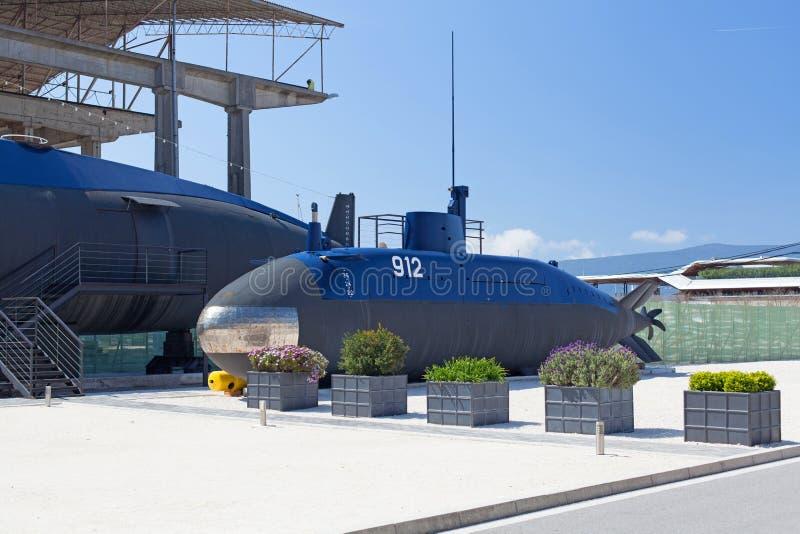 在蒂瓦特,黑山附近的老潜水艇 库存照片