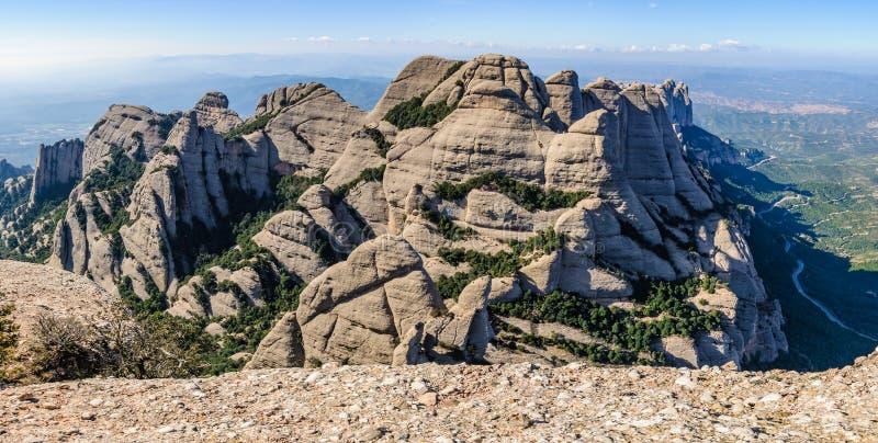 在蒙特塞拉特山,西班牙的全景 免版税库存图片