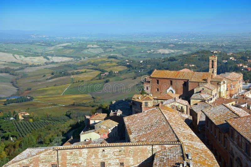 在蒙特普齐亚诺老镇上看法在托斯卡纳在意大利 免版税库存照片