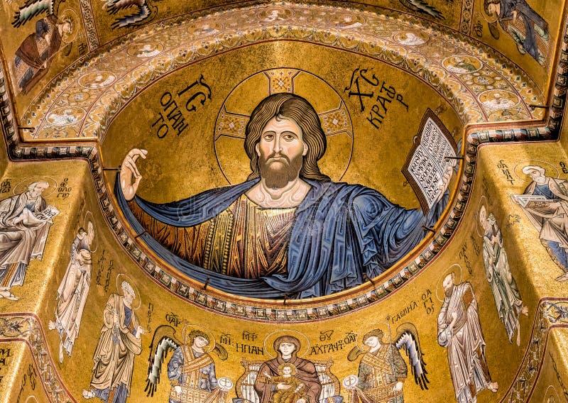 在蒙雷阿莱里面大教堂的基督Pantocrator马赛克  免版税库存照片