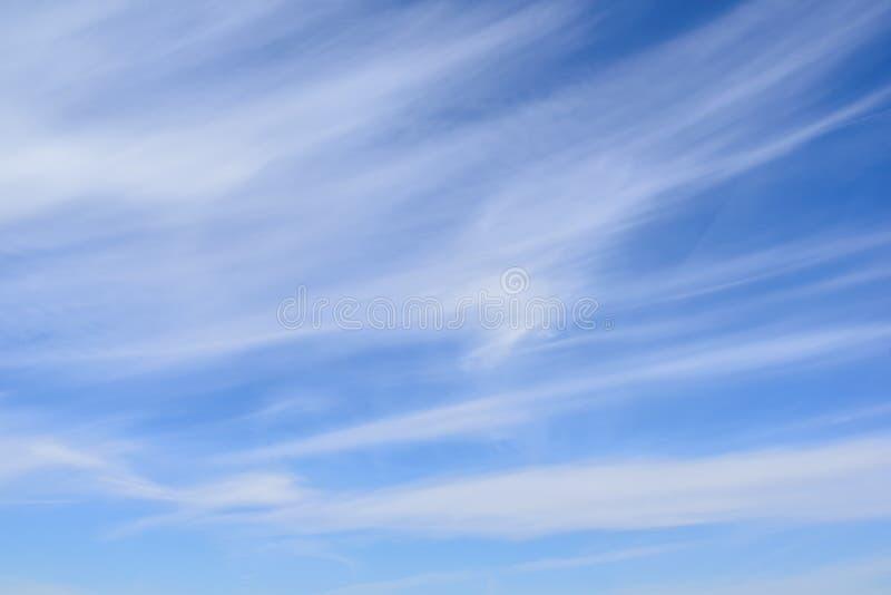 在蓝天的卷云 图库摄影