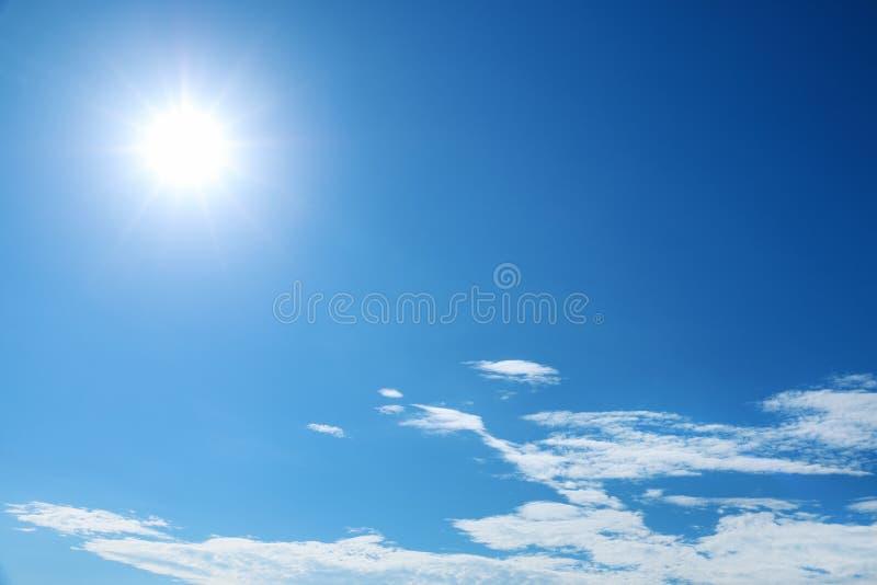 在蓝天的阳光 免版税图库摄影