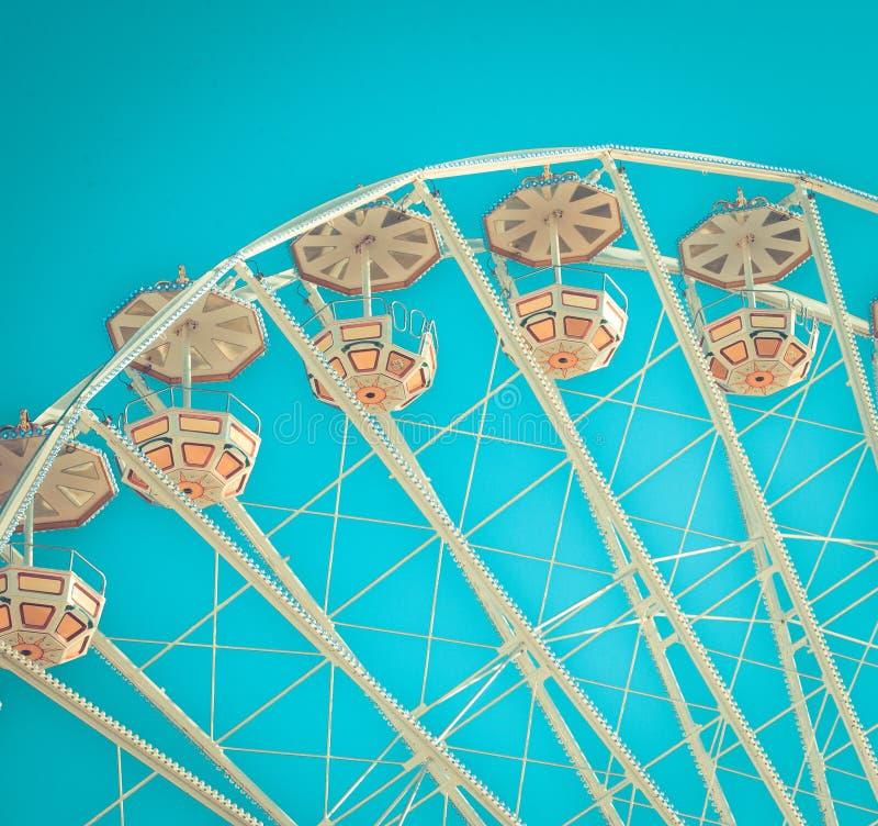 在蓝天背景的弗累斯大转轮在颜色特写镜头 库存照片