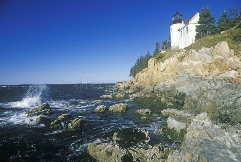 在蓝色小山海湾的低音港口头光灯塔在缅因,我 库存图片