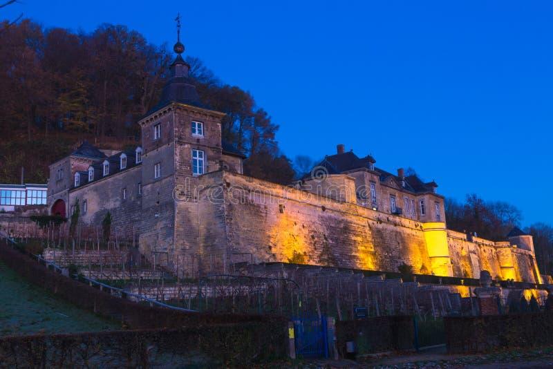 在蓝色小时,城堡在马斯特里赫特 免版税库存图片
