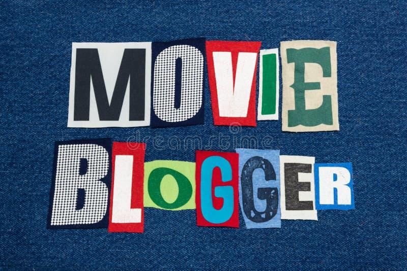 在蓝色牛仔布、电影和名人博克和写博克的电影博客作者文本词拼贴画五颜六色的织品 免版税库存图片