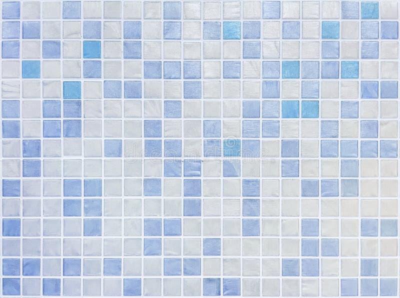 在蓝色瓦片的特写镜头表面瓦片样式在卫生间墙壁纹理背景中 免版税库存图片