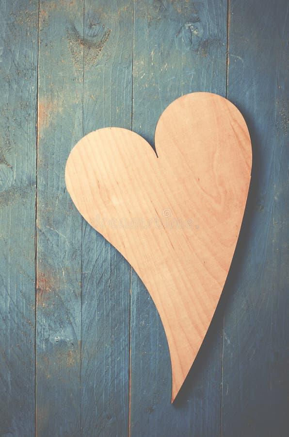在蓝色的木心脏 库存图片