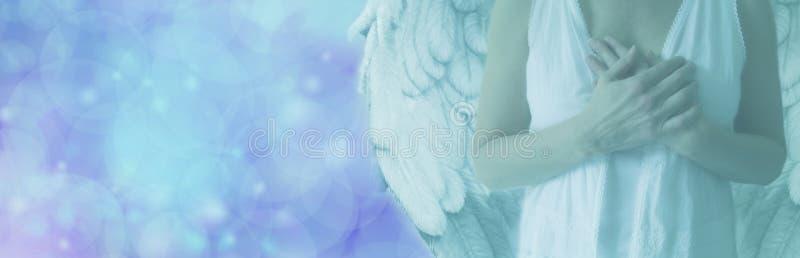 在蓝色Bokeh光横幅的天使 皇族释放例证