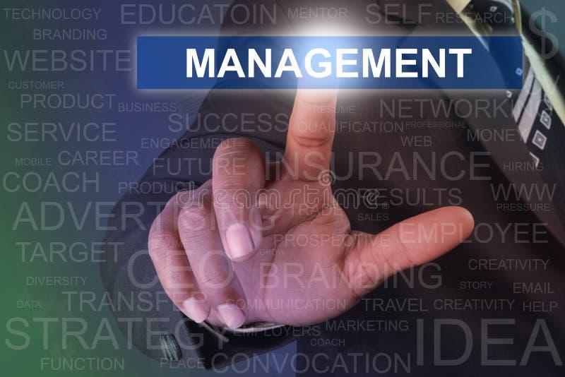 在虚屏上的商人感人的管理按钮 免版税图库摄影