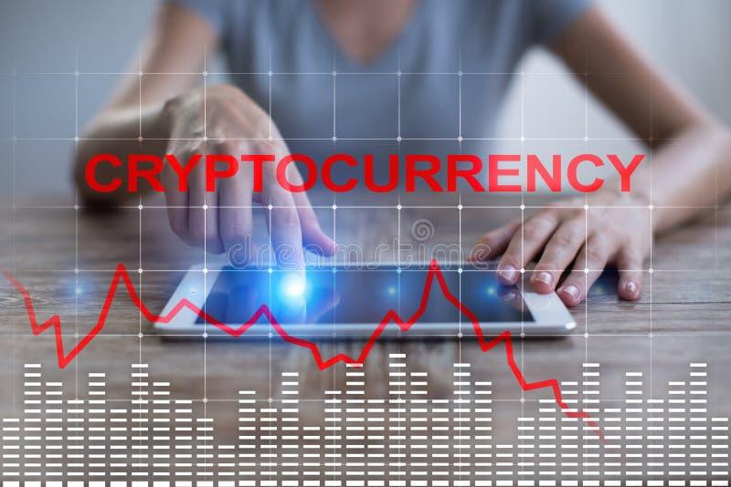 在虚屏上的Cryptocurrency危机 Bitcoin和Ethereum秋天 免版税库存图片