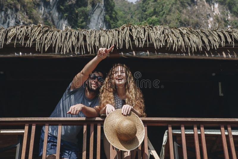 在蜜月旅行的夫妇 免版税库存图片