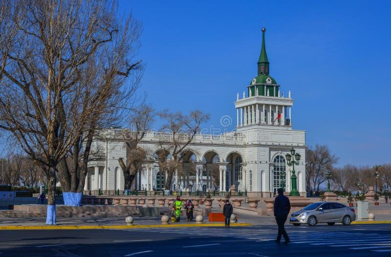 在街市的大厦在哈尔滨,中国 库存图片