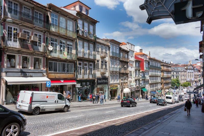 在街市的街道在波尔图,葡萄牙 联合国科教文组织世界遗产名录Si 图库摄影
