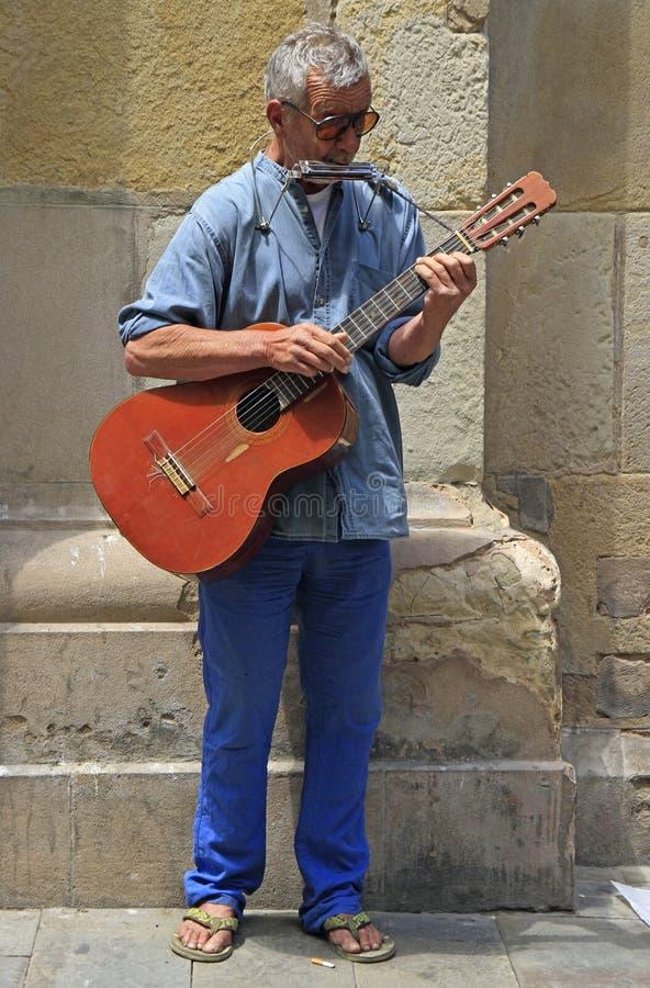 在街道上的卖艺人在直布罗陀 免版税库存照片