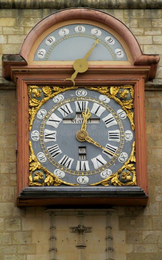 在街道上的时钟在布拉格 库存照片