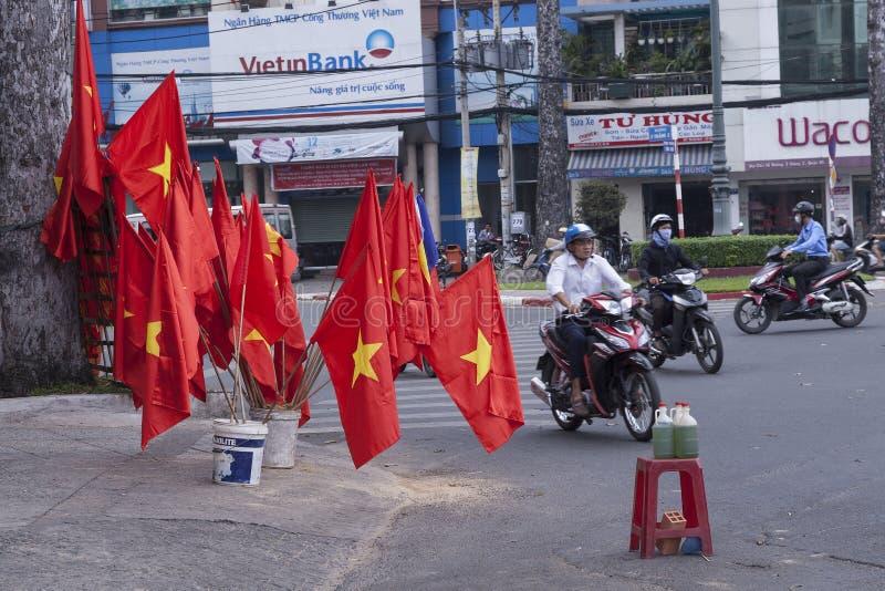 在街道上的汽油出售在越南 库存照片