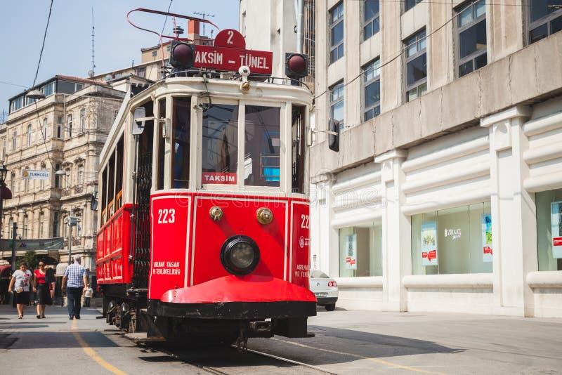 在街道上的电车在伊斯坦布尔,土耳其 库存照片