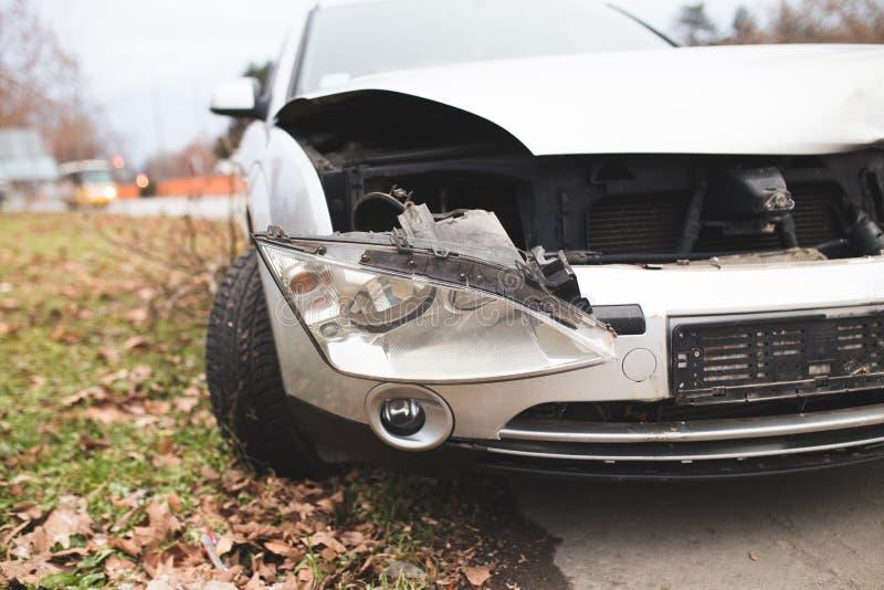 在街道上的被碰撞的汽车 图库摄影