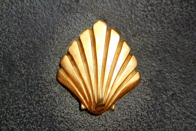 在街道的圣詹姆斯方式壳金黄金属 库存图片