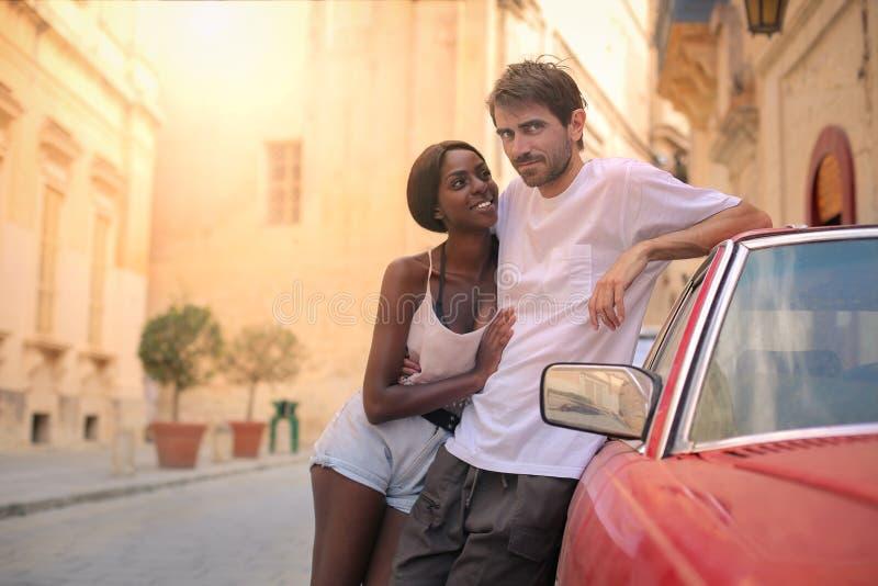 在街道的夫妇 免版税库存图片