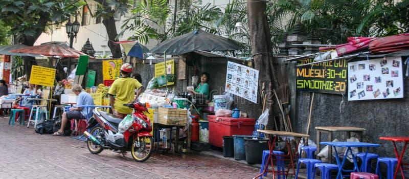 在街道的食物店在曼谷,泰国 免版税库存图片