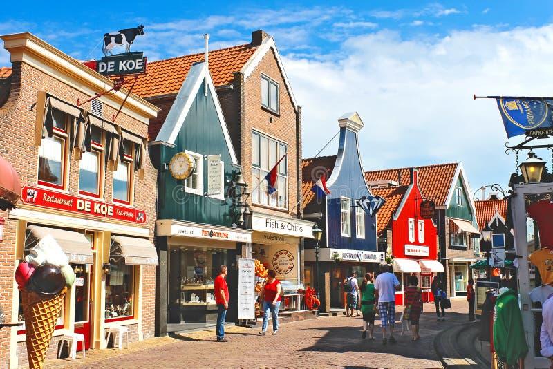 在街道的Volendam。 库存照片