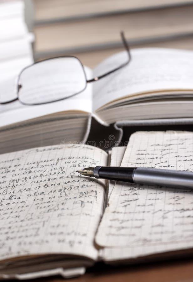 在表的书和数量 免版税库存图片