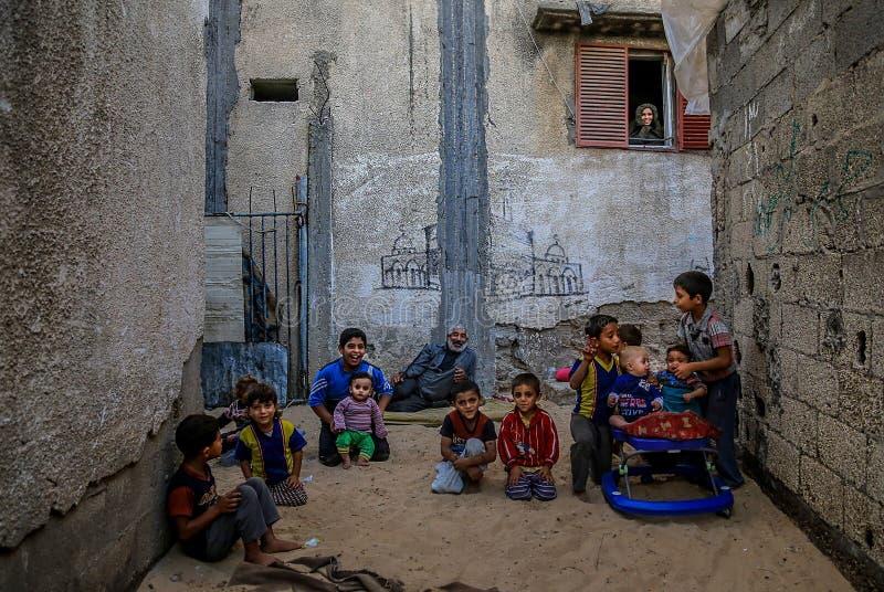 在被围攻的加沙,贫穷使儿童营养不良恶化 免版税库存图片