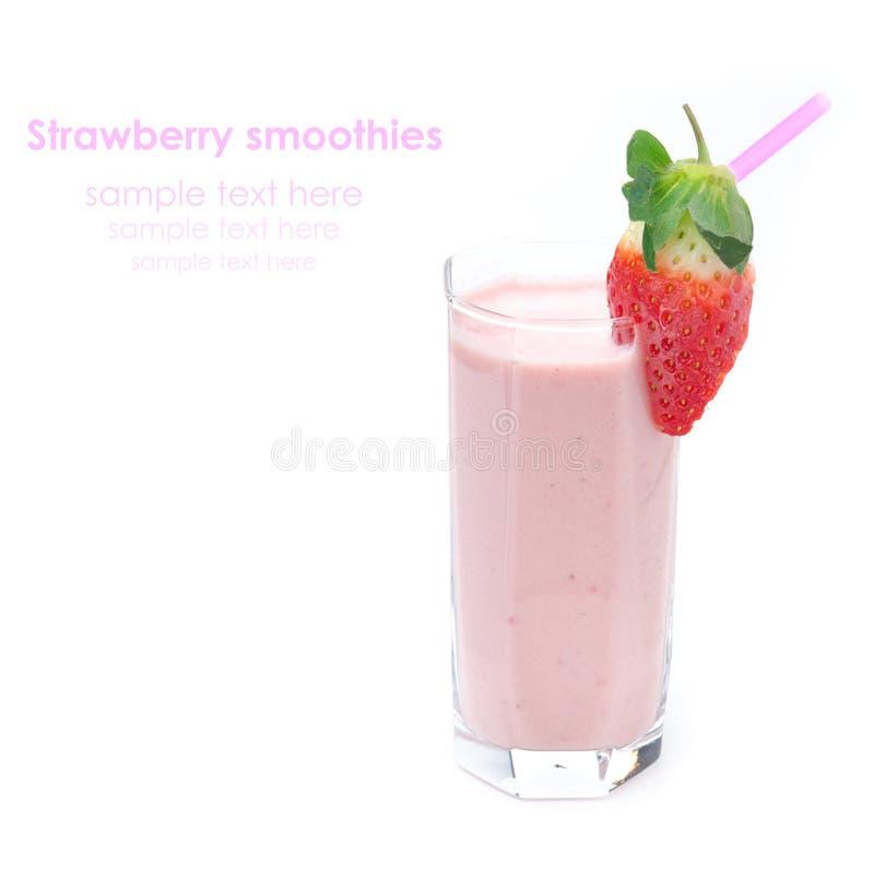 Download 在被隔绝的一个玻璃烧杯的草莓圆滑的人 库存图片. 图片 包括有 饮料, 混杂, 特写镜头, 充分, 玻璃 - 30334335