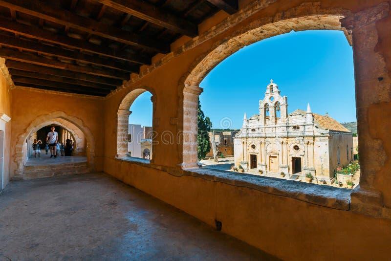 在西方门的通道在Arkadi修道院, Arkadi,克利特,希腊 库存照片
