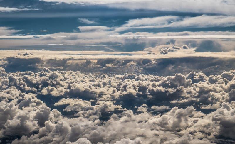 在西班牙比利牛斯山的云彩 免版税库存照片
