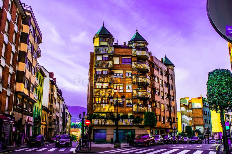 在西班牙的北部的好的大厦 免版税图库摄影