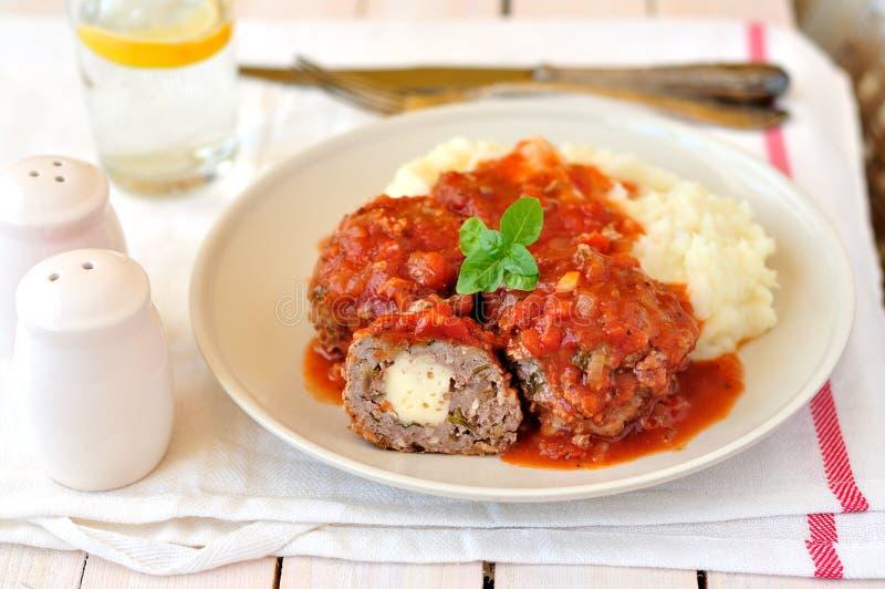 在西红柿酱的肉丸 库存图片