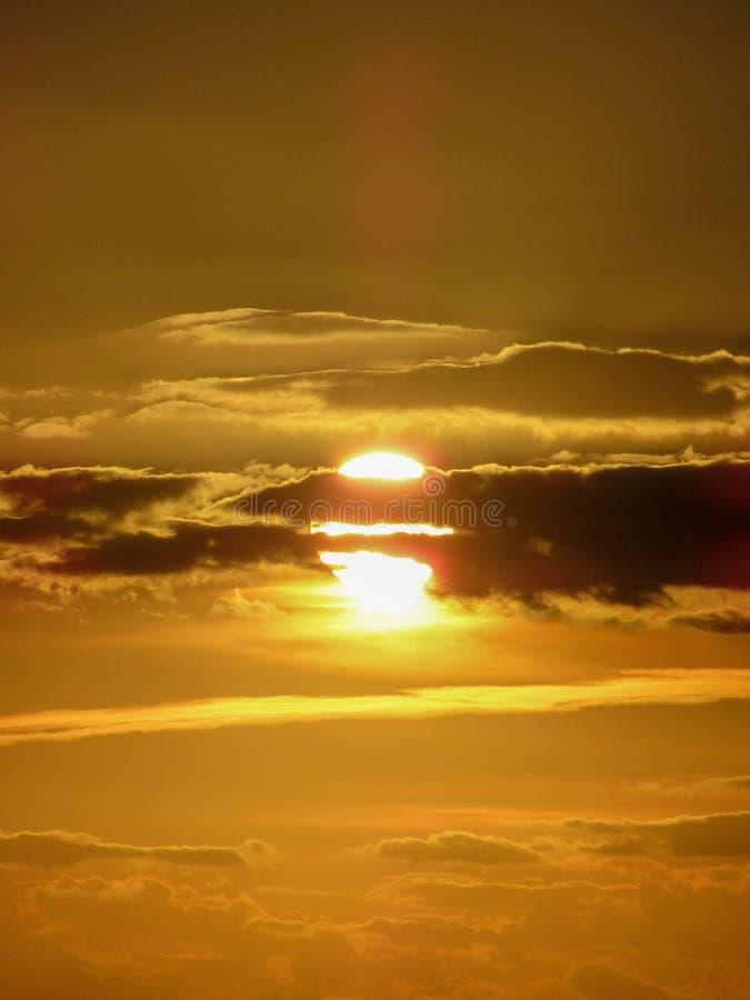 在观点的日落在乡下 免版税库存图片