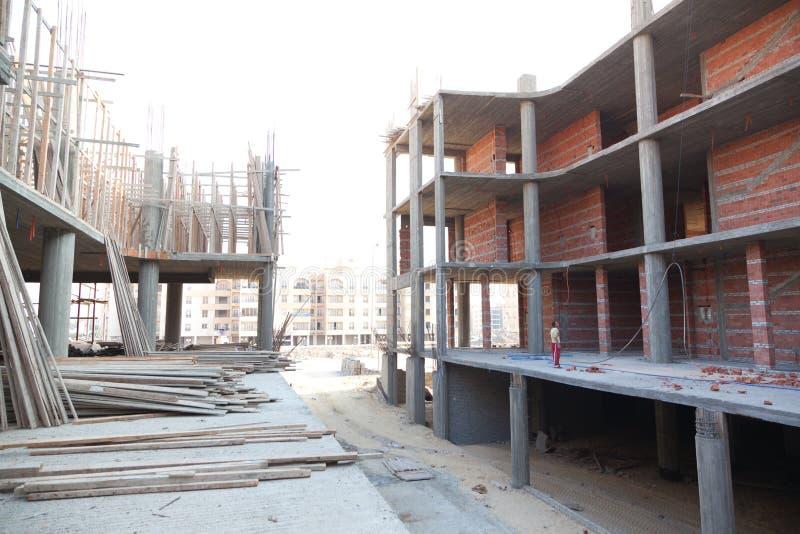 在视窗之下的背景黑色楼房建筑行业行 免版税库存图片